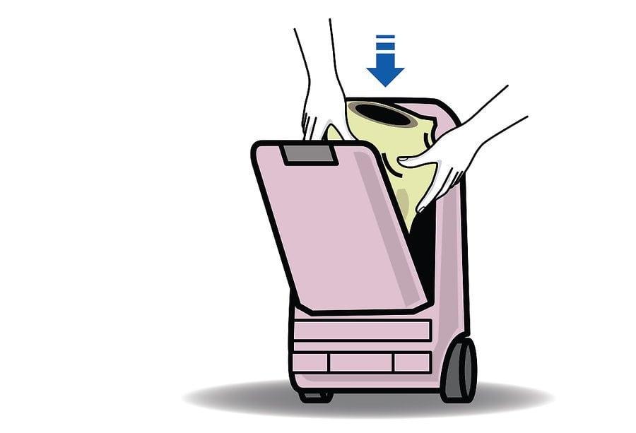 aid1706083 v4 900px Change a Bag on a Vacuum Cleaner Step 12 1 - نحوه تعویض کیسه جاروبرقی